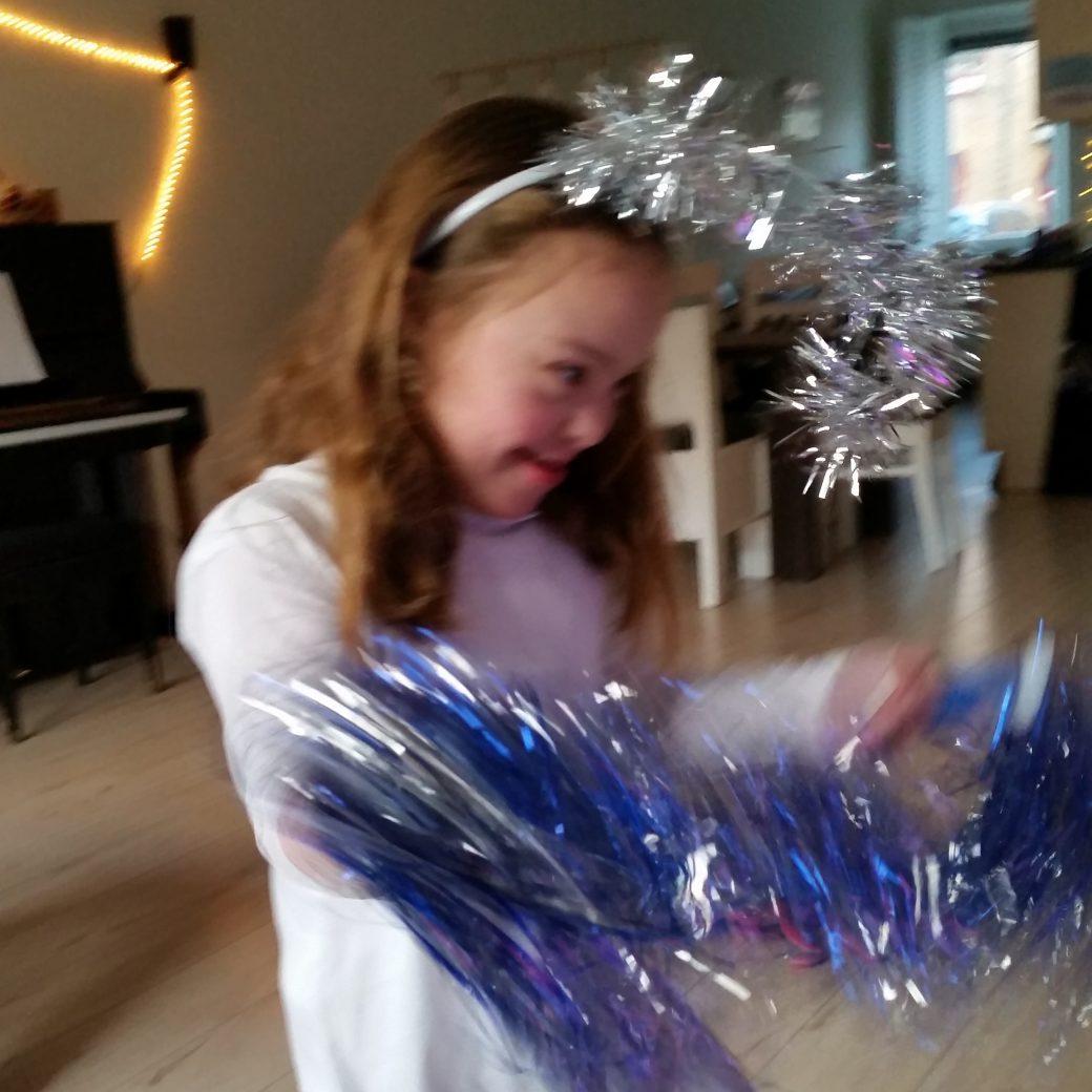 knuffelend kerstengeltje